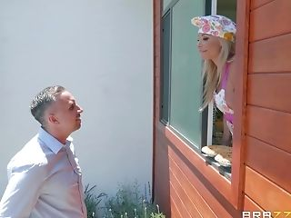 Matures Blonde Housewife Robbin Banx Takes A Big Stream In The Kitchen