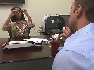 Smoking Hot Candice Nicole Shrieks While A Friend Drills Her Vag