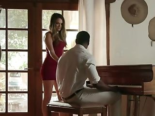 Hot Honey Takes Advantage To Spouse's Absence To Cheat With Big Black Cock