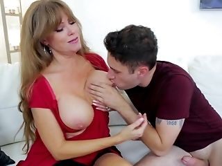 Matures Wants To Attempt Daughter-in-law's Beau For A Few Oral Rounds