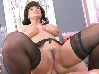 Black-haired Lady With Big Tits Loves Having A Good Getting Off Session