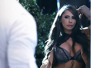 Ex Gf Madison Ivy Invited Over Gianna Dior For A Three-way