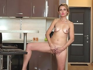 Homemade Vid Of Vapid Rump Oliya Having Joy In The Kitchen