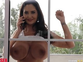 Big Dick For Cock-squeezing Poon Of Dark Haired Cougar Ava Addams
