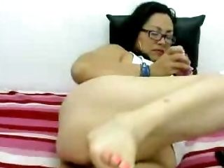 Fatty Colombian Whore Likes Rump To Mouth