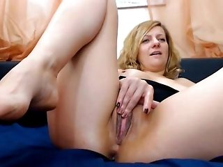 Mummy With Nice Feet In Face Arse Play No Sound