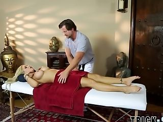 Beauty Fucking Masseuse