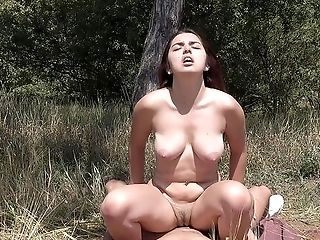 Chubby Black-haired Diana Rius Fucked In The Local Forest By A Stranger