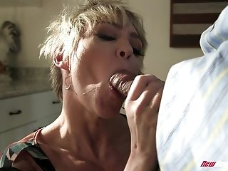 Blonde Cutie Dee Williams Gets Fucked While Her Big Jugs Bounce