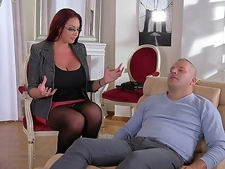 Hot Cougar Porno Clip - Thomas Stone And Amoral Mummy Emma Butt