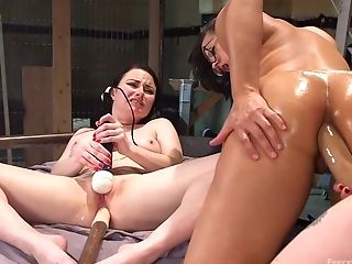 Horny Lezzie Aiden Starr Is Fist-fucking Opened Up Butt-hole Of Ultra-kinky Ass-fuck-insane Gf