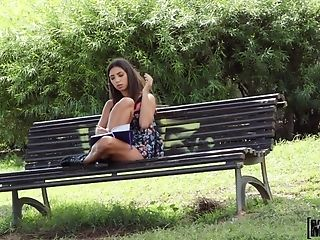 Outdoor Fucking In The Public Park With Flirtatious Frida Sente