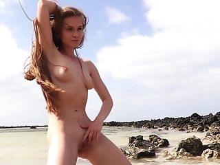 Naturally Beautiful Girlie Angel B Gets A Chance To Masturbate On The Shore