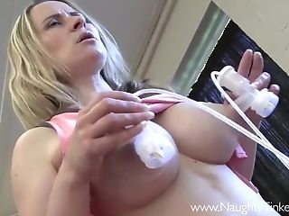 Big Milky Tits Cougar Pumps Puss And Booty With Fuck Machine