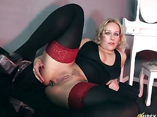 Mouth Watering Sweetie Ashley Rider Is Frolicking Her Insatiable Ass-fuck Slot