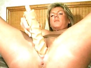 Fuckbox Fingerblasting And Fuck Stick Banging With Unexperienced Hot Cougar Chick