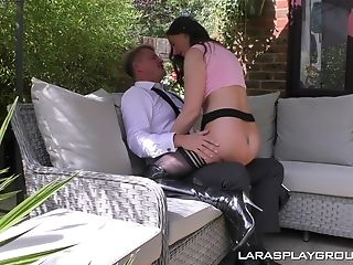 Outdoor Cunt Finger-tickling And A Blow-job With Mummy Lara