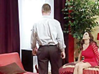 Raylene Treats Her Beau With Bangable Mummy Butt