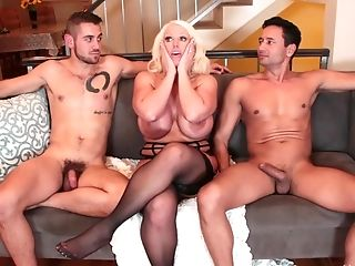 Non-traditional Cadence Lux And Her Hot Friends Like To Have Fun With Fat Dicks