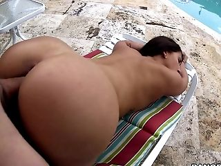 Asstastic Bitch Valerie Kay Gets Her Smoothly-shaven Cunt Hammered Outdoors
