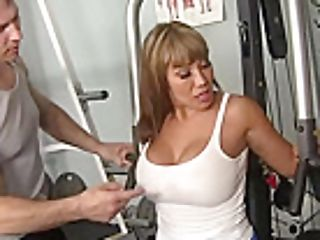 Curvy Mummy Ava Devine Does Ass-fuck