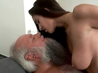 Grandfather Gets Fuck A Beautiful Youthful Chick With Big Tits