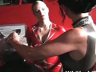 Mistress Knuckles Victim's Culo