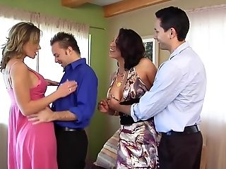 Nicki Hunter And Nikki Sexx In A Xxx Bisexual 4 Way