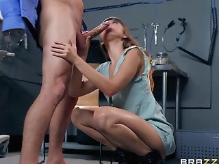 A Cravings Come True For Splendid Dude After The Fuck With Riley Reid