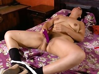 Middle Old Housewife Anabella Attempts To Satiate Her Fucky-fucky-greedy Fuck-hole