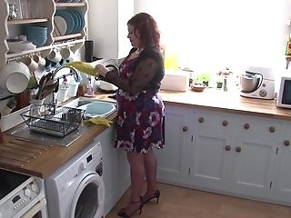 Sandy-haired Bbw Inexperienced Matures Cougar Masturbates In The Kitchen