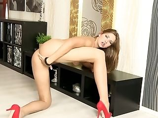 Solo Euro Dame In Crimson High High-heeled Slippers Elations Her Pink Vag