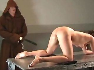 Horny Stud Luvs Penalizing A Beautiful Dame With A Bullwhip