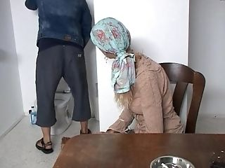Matures Fledgling Soundy Sun Drops On Her Knees To Give A Blow-job